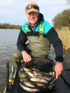 Steve Richards at Lower Tamar also using the BMG at distance in the feeder,to land these quality roach!