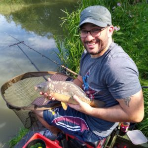 Neil Gardiner enjoying a lovely day bagging in the sun with our baits!