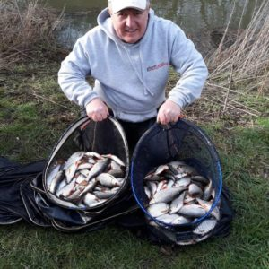 Pete Archer in silver bagging action, lovely roach and skimbobs taken over our BMG and Bog!