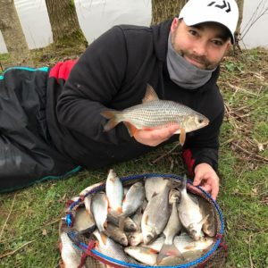 Simon Poynter joined us last winter several times, this was part of a 35lb net of quality roach from the specimen lake at Goodiford!