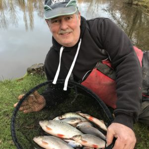 Chris Whitehead with a gorgeous net of Goodiford roach, dead reds over BMG!