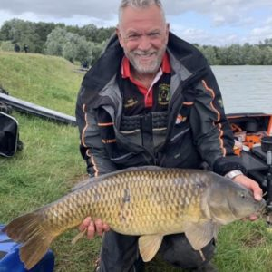 Mel hodgeson with a huge common, Mel loves our Original 8mm hard Gonuts, so do the fish!