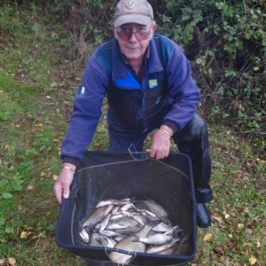 Dave Pilsworth from Colchester with a matchwinning silvers catch of roach and skimbobs using our Sludge as a Boost on his expanders,well done Dave