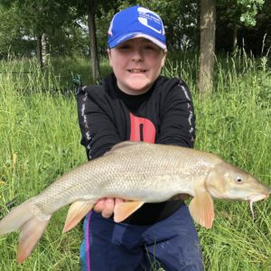 Seb Archer with a cracking barbel caught on Boosted Baninion corn!