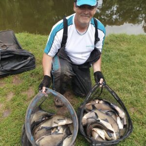 Andy with a great net of slabs from Wellington Basins near Taunton, on our FA1 Janners over FA1 RTGs!