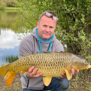 Mark Quinney and a n awaesome 19lb Larford common